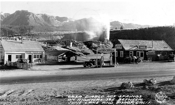 Archive photo of Casa Diablo tourist area and geyser in the background