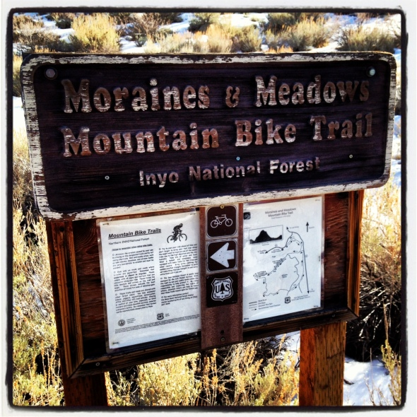 The old trailhead sign, which could use some TLC.